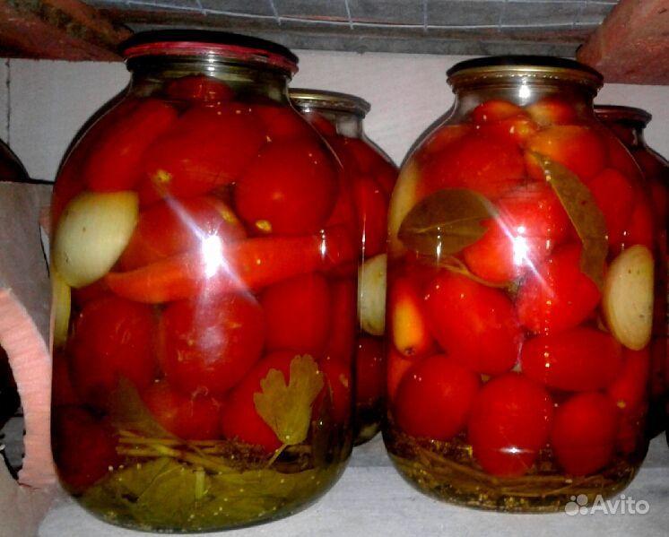 Маринованные помидоры со своего огорода.  Москва