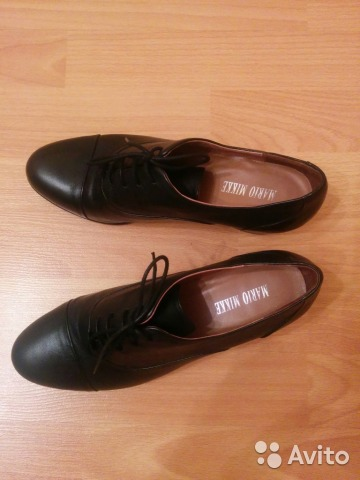 кроссовки удаляют лишнюю влагу через подошву