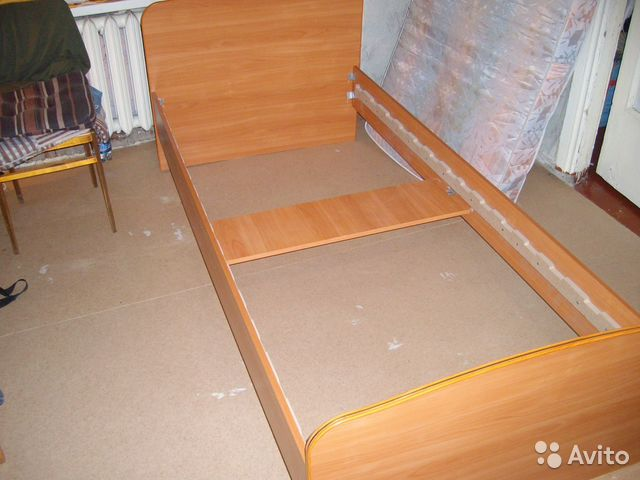 Кровать односпальная 90х200 с матрасом б/у