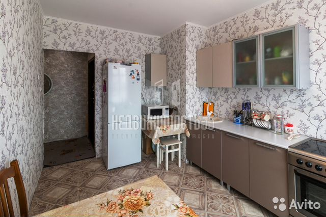 Продается трехкомнатная квартира за 1 900 000 рублей. г Омск, поселок Степной, ул 40 лет Ракетных Войск, д 7.