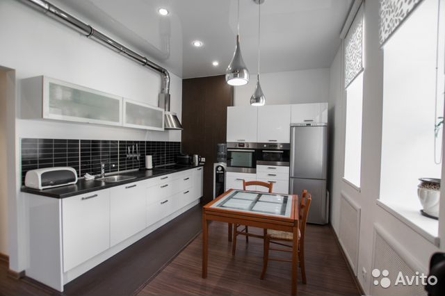 Продается трехкомнатная квартира за 11 790 000 рублей. г Казань, ул Калинина, д 6.