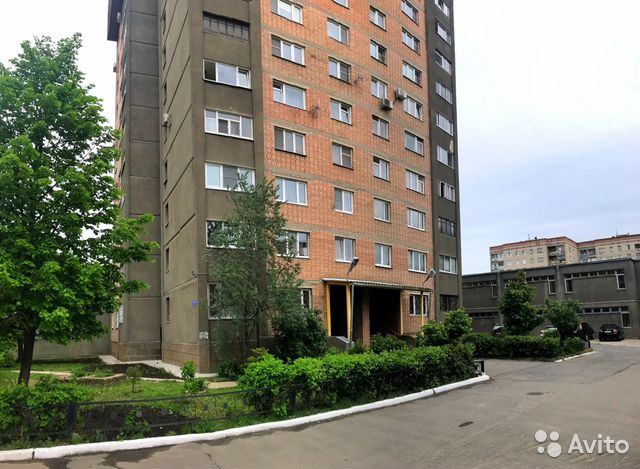 Продается трехкомнатная квартира за 6 300 000 рублей. Московская обл, г Серпухов, ул Горького, д 1.