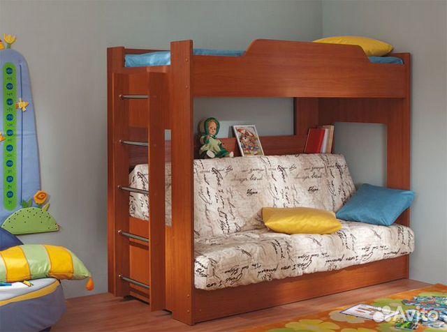 Двухъярусную кровать с диваном внизу