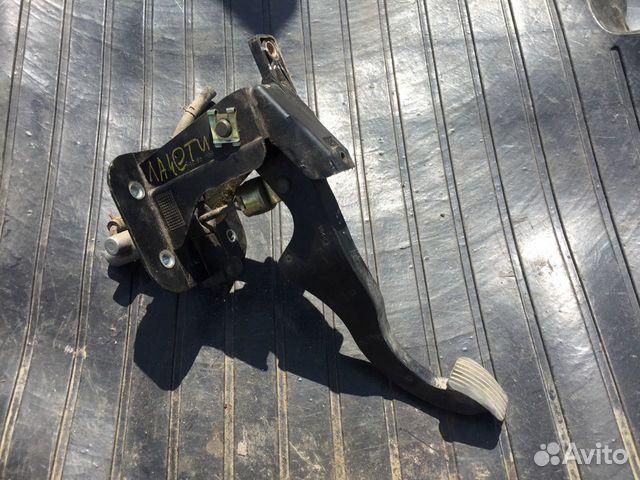 Педаль сцепления Chevrolet Lacetti седан 1.6  купить 1