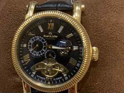 В часы ломбард работы озёрах часы швейцарские продать элитные