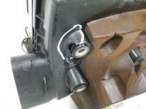 Корпус воздушного фильтра правый 4.6 1urfse Lexus