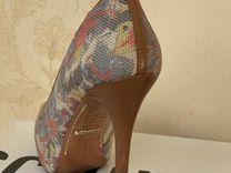 Туфли schuts (Бразилия)