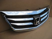 Решетка радиатора Хонда Аккорд 8 2012 рестайлинг